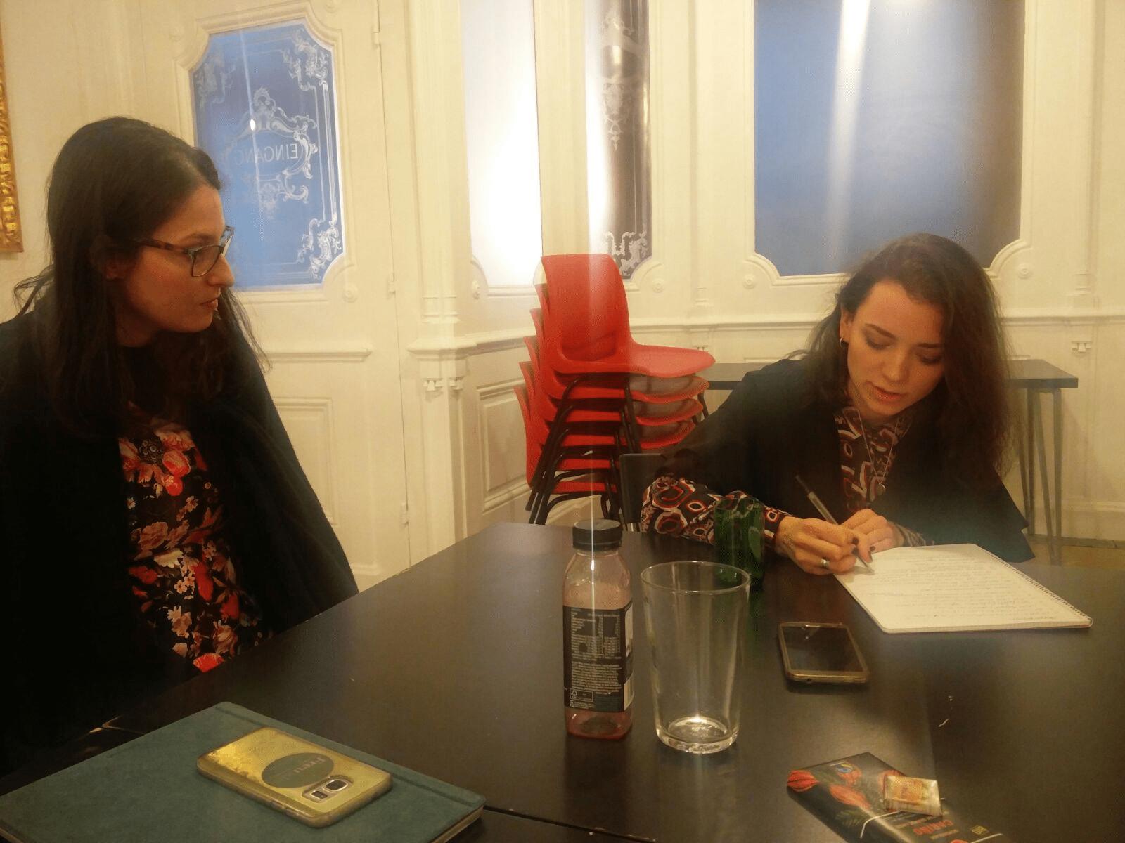 Fremde werden Freunde als Teil sozialwissenschaftlicher Forschung